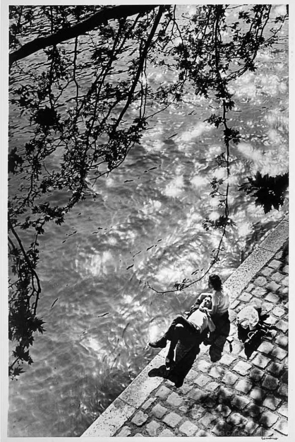 siesta on the right bank of the river seine